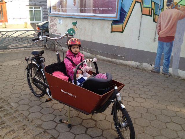 Bakfiets Long Cargobike wendig auf zwei Rädern